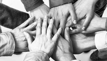 Dag van de Mensenrechten, handen