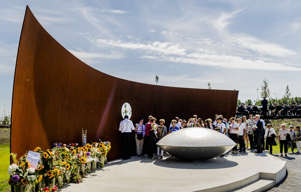 Mh17 Monument Onthuld Op Dag Van De Ramp Max Vandaag