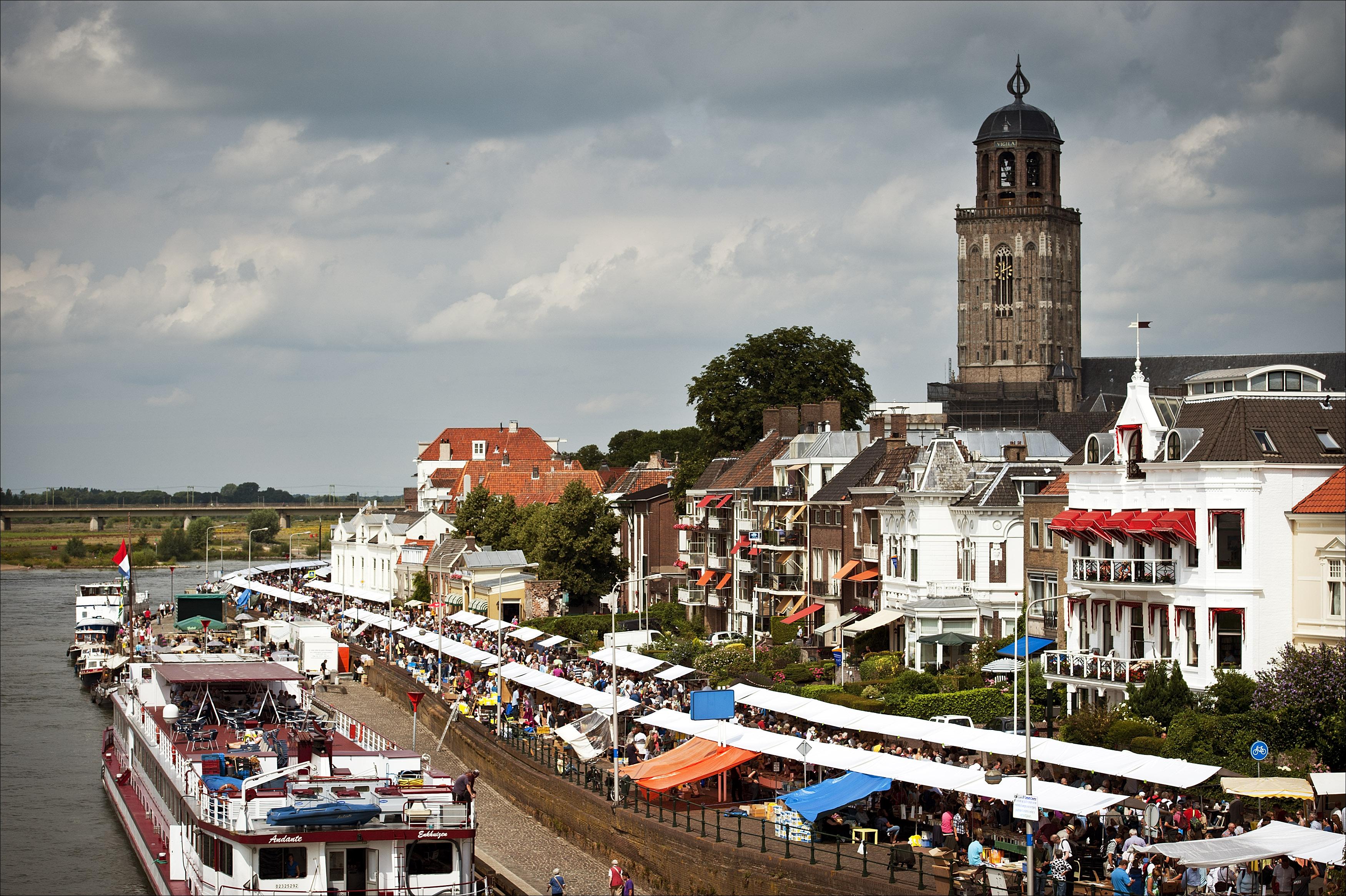Impressie van de Deventer Boekenmarkt.