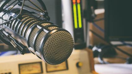 Bij MAX op de radio