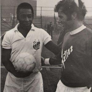 """""""Welke voetballer uit Nederland kan zeggen dat hij tegen Pele heeft gespeeld."""""""