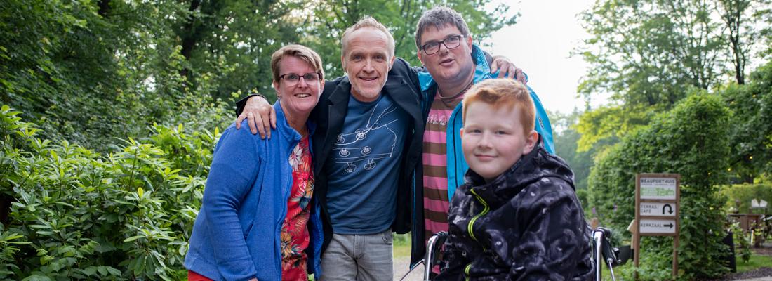 Mariska, Stef, Harjo en Justin in Zorg uit handen