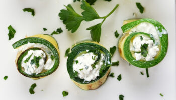 borrelboter en courgetterolletjes