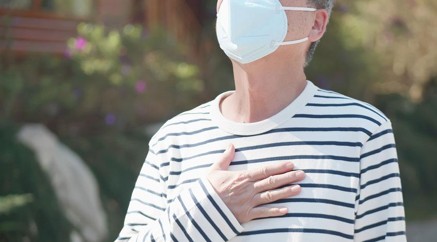 Een mondkapje dragen tegen hooikoorts, helpt dat? - MAX Vandaag