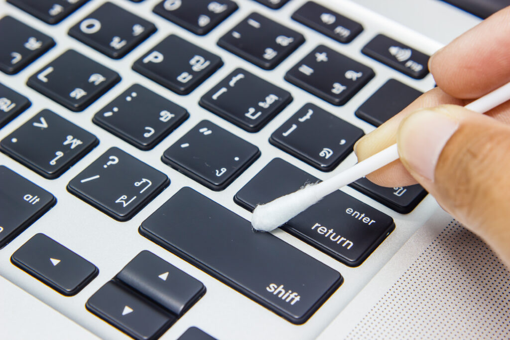 toetsenbord schoonmaken