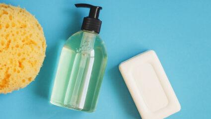vast stuk zeep of vloeibaar