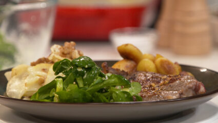Knolgratin met gorgonzola en schouderkarbonade